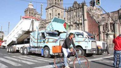 Photo of Transportistas de materiales se manifiestan en el Zócalo