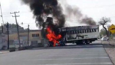 Photo of Bloqueos en Guanajuato deja camiones quemados y llantas ponchadas