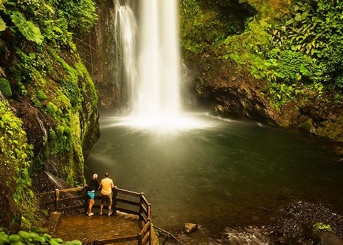 la-paz-waterfalls-garden