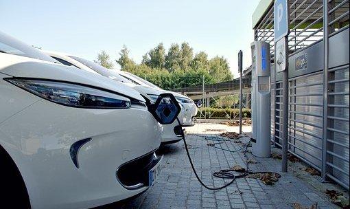 Automobile : pourquoi installer une borne de recharge électrique ?