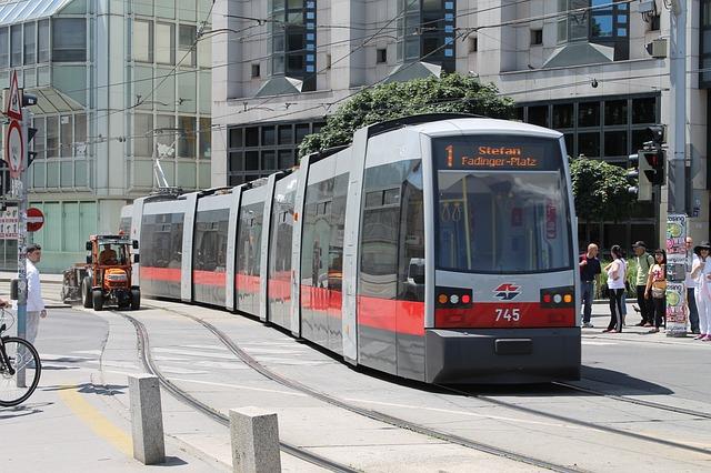 Transport en commun: les avantages du tramway