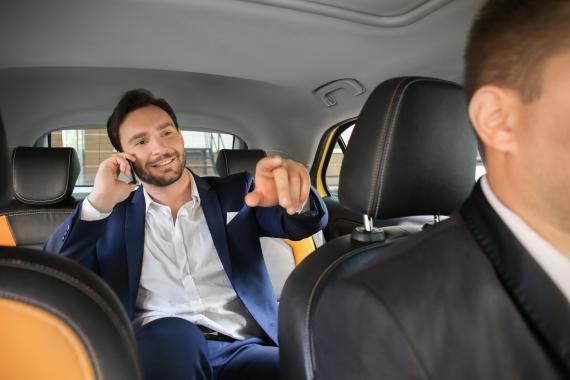 Déplacements professionnels : quel salaire pour un chauffeur privé ?