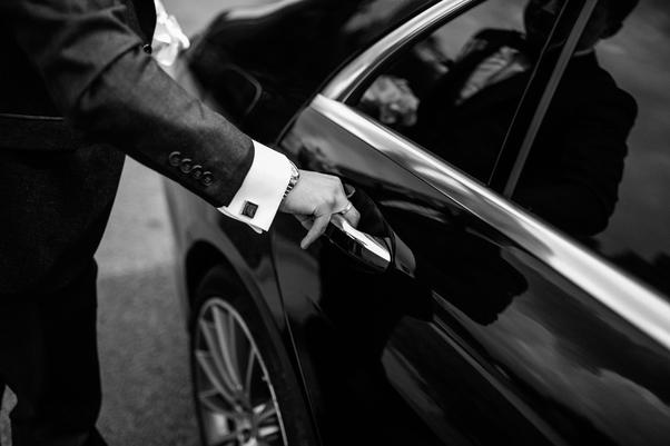 Chauffeur VTC: Avantages et inconvénients du métier?