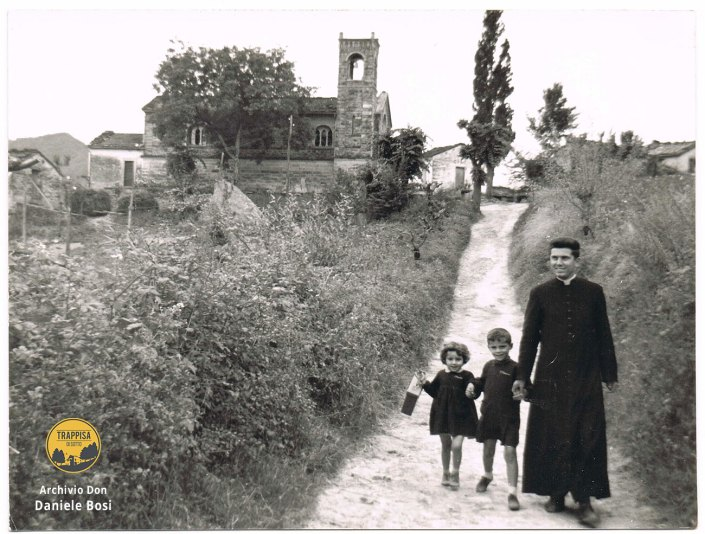 1960/1961 - Poggio alla Lastra, Don Luigi Corzani (ancora vivente), parroco dal 1959 al 1963