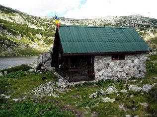 refugiu-salvamont-lacul-bucura