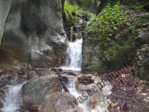 canionul-sapte-scari_cascada