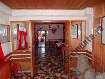cabana-muntele-rosu_interior_1