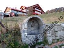 cabana-muntele-rosu_izvor