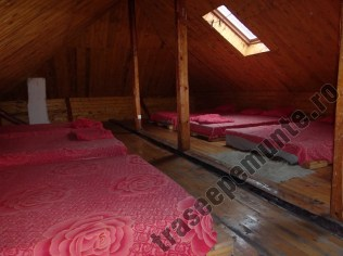Cabana Garofita Pietrei Craiului_interior