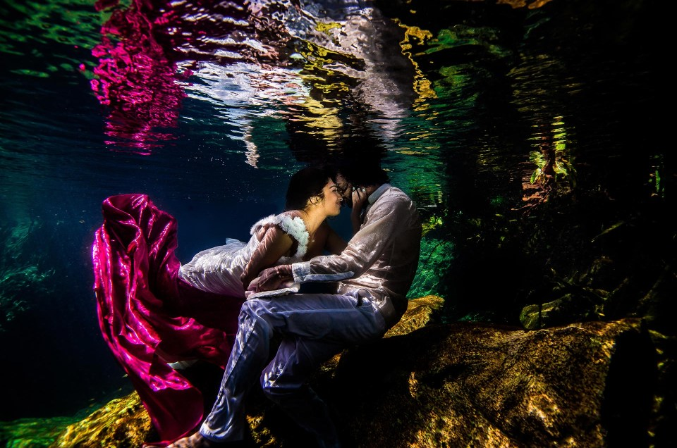 Engagement Photos Underwater