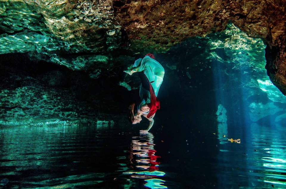 Cenote Trash The Dress – Danyl and Zach