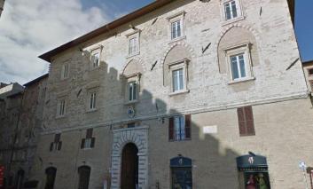 Arrestato prete per prostituzione minorile, il commento dell'Arcidiocesi di Perugia