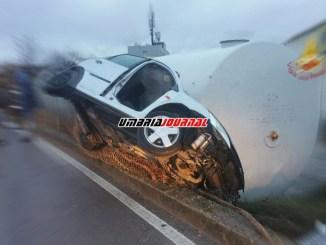 Carambola infernale incidente a Magione auto finisce su cisterna un ferito