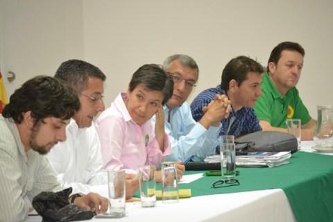 Directa, contundente y sin pelos en la lengua, así fueron las respuestas de Claudia López durante su gira para promocionar su candidatura al Senado de la República.