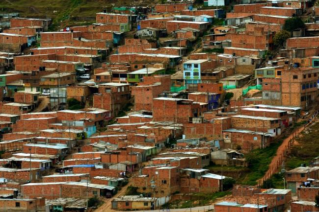 Ciudad Bolívar no es más que la presencia de la ciudad inhumana, sin diferencias, sin sentido de lo humano para quienes gobiernan.