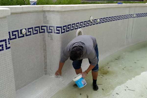 reparacion piscina grieta en seco