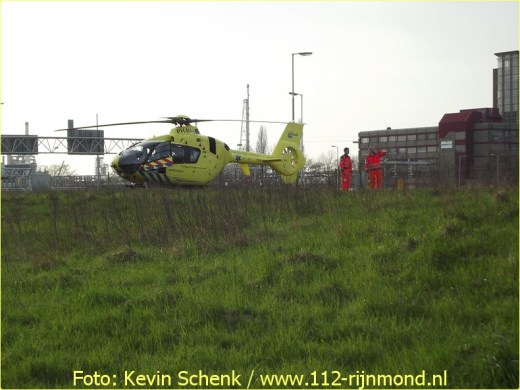 Lifeliner2 inzet Rotterdam Hoogvliet Foto: Kevin Schenk (10)