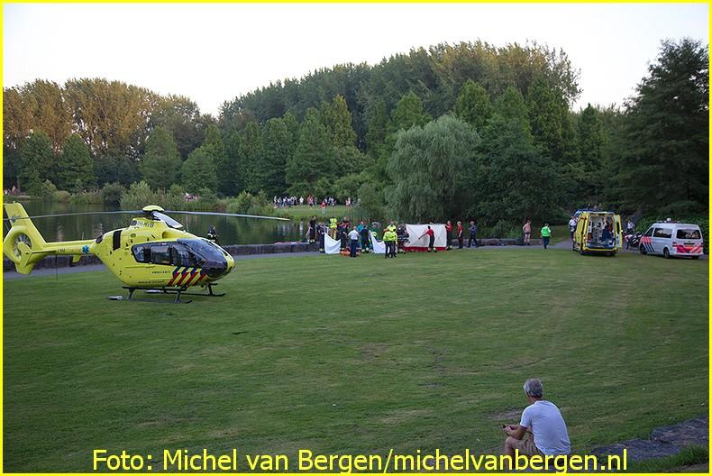 Lifeliner1 inzet Hoofddorp Foto: Michel van Bergen (19)