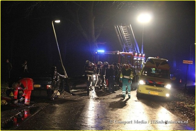 112 Zwaar verkeersongeval Hoofdstraat Oost Noordwolde 8-BorderMaker