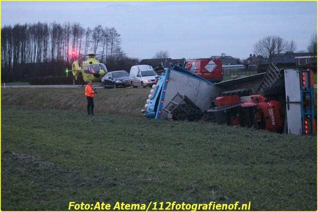 2013-12-16 Foto's van ongeval Dongerawei Oosternijkerk (54)-BorderMaker
