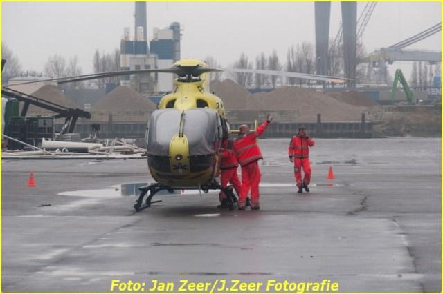 2013-12-17 Bedrijfsongeval HSM steel structures, Schiedam 059-BorderMaker