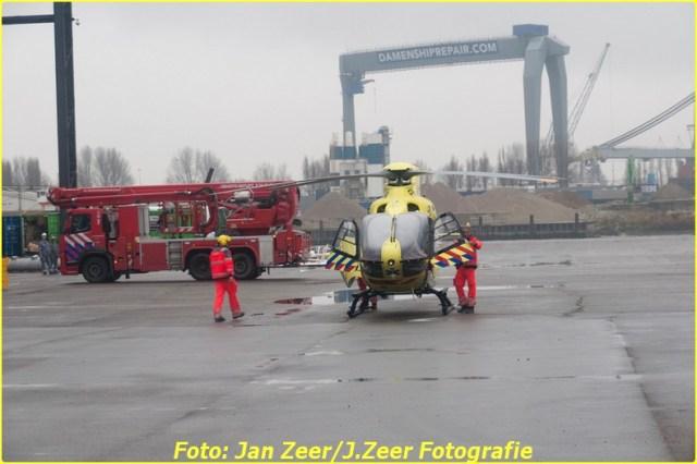 2013-12-17 Bedrijfsongeval HSM steel structures, Schiedam 065-BorderMaker