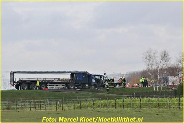 ongeval s'-heerenhoeksedijk overzande 13-2-2013 193-BorderMaker