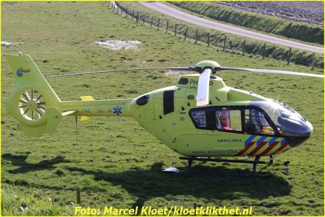 lifeliner bij ongeval zandkreekweg Wolphaartsdijk 5-3-2014 069-BorderMaker