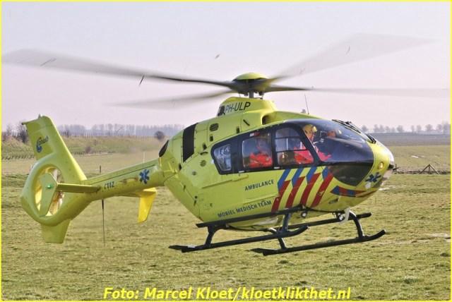 lifeliner bij ongeval zandkreekweg Wolphaartsdijk 5-3-2014 114-BorderMaker