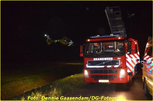 2014 11 24 auto te water op de n33 bij wildervank (9)-BorderMaker