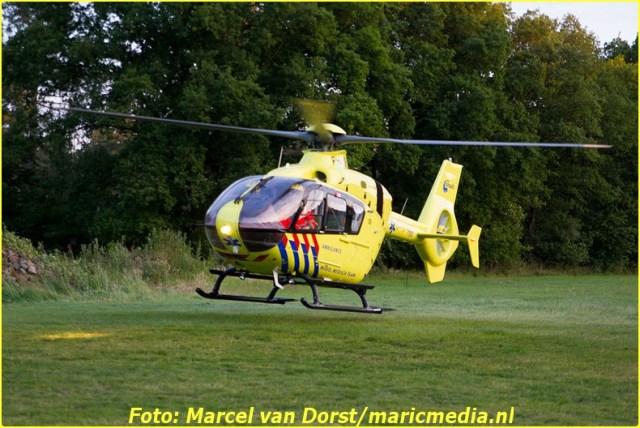 DORST - Een auto heeft donderdagavond een brommer geschept in Oosterhout. De bestuurder van de brommer raakte hierbij ernstig gewond. Hij werd ter plekke gereanimeerd door medewerkers van de toegesnelde hulpdiensten, maar dat mocht niet meer baten.