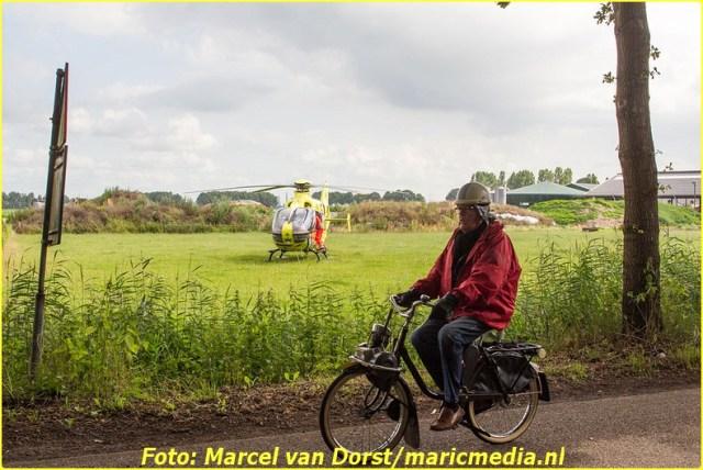 07182015_wielrenster_gewond_Terheijden_0814-BorderMaker