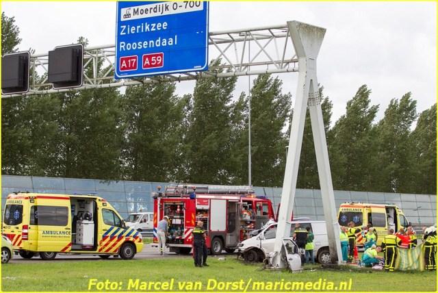 08252015_dodelijk_ongeval_A16_Zevenbergen_1736-BorderMaker