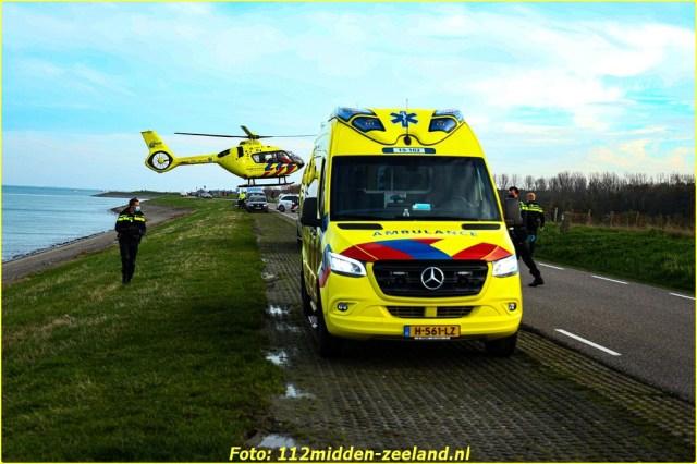 Traumahelikopter_ter_plaatse_voor_persoon_te_water_in_Wemeldinge (1)_resized-BorderMaker