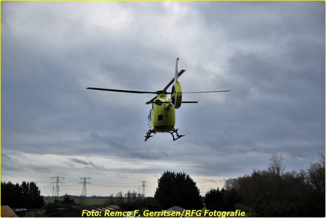 20-12-28 Prio 1 Ongeval - Ijsseldijk-West (Ouderkerk a.d. IJssel) (12)-BorderMaker