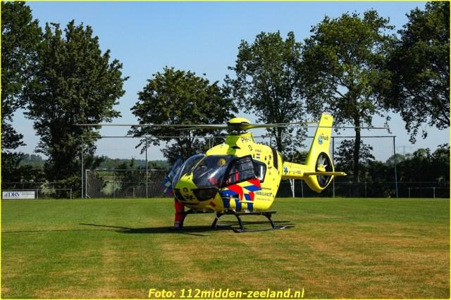 VENEMAMEDIA_Hoedekenskerke_ernstig_ongeval_Molenstraat-3-BorderMaker