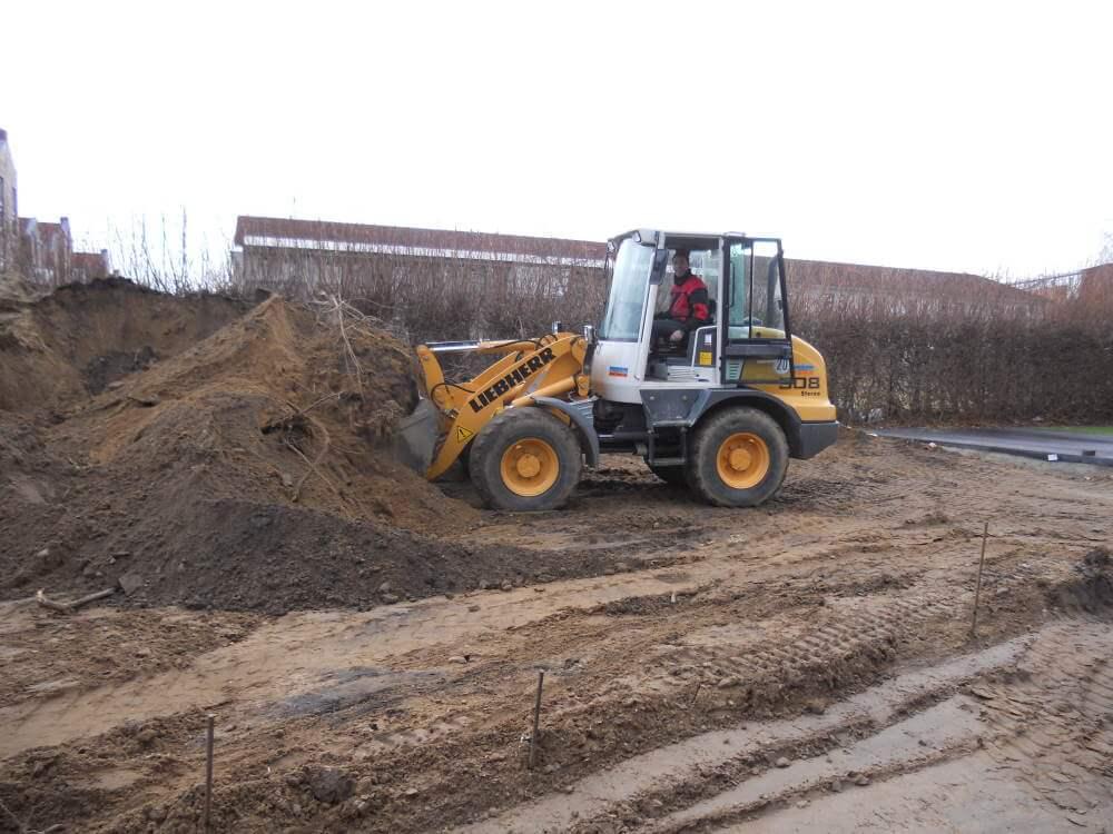 Der Aushub vom Bau wird abgefahren