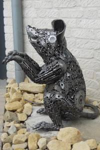 Kunst aus Stahl im Garten