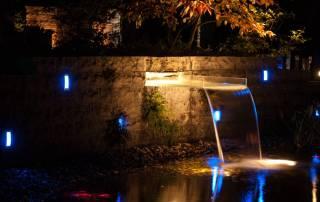 Wasserfall aus Acrylglas