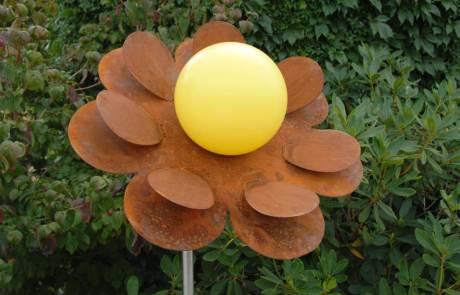Blume Moonlight Cortenstahl