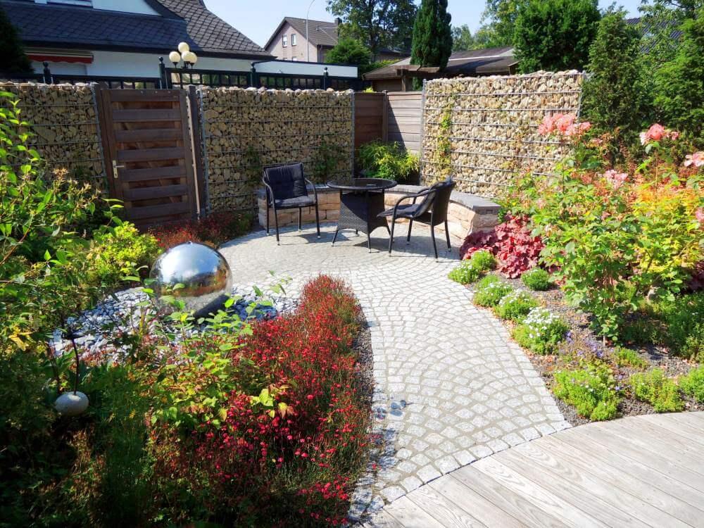 Kleiner Garten 1 Jahr nach Fertigstellung