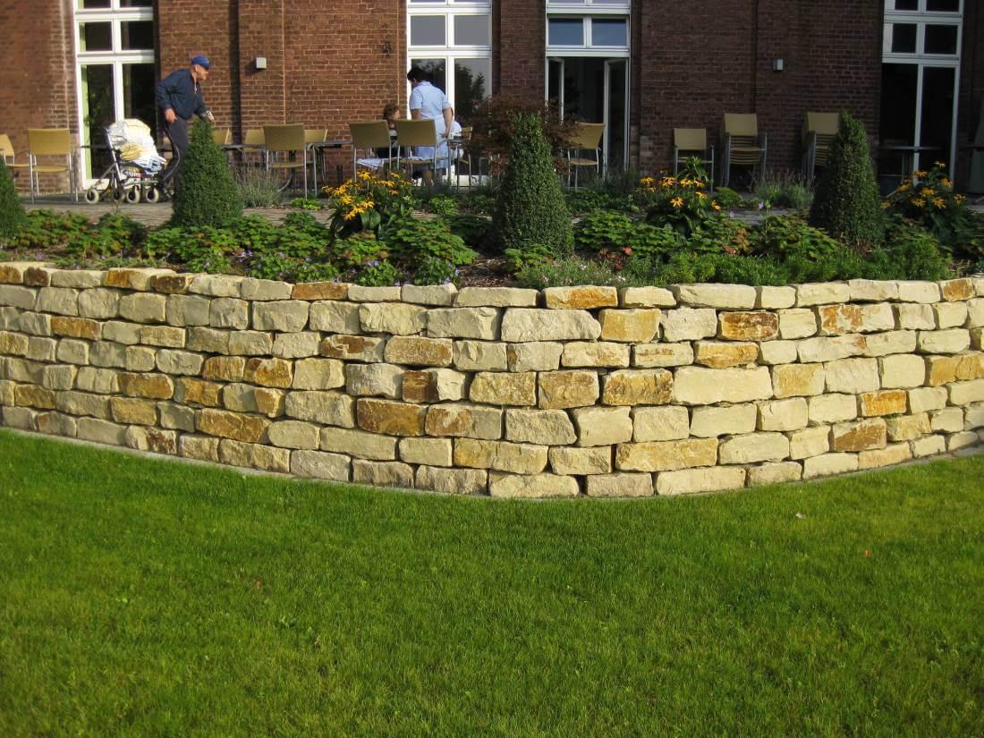 Natursteinmauer Galabau Mähler