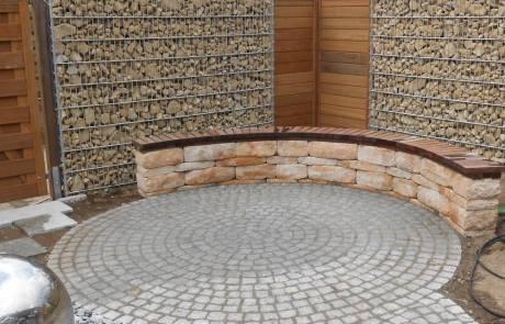 Santuro Betonsteinmauer als Sitzmauer