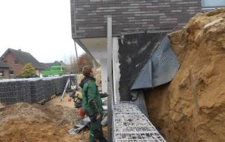 Der Bau einer Gabionenwand