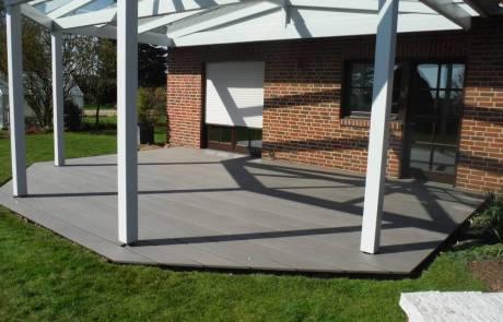 WPC Junbo-Terrassendiele mit 242 mm Verlegebreite