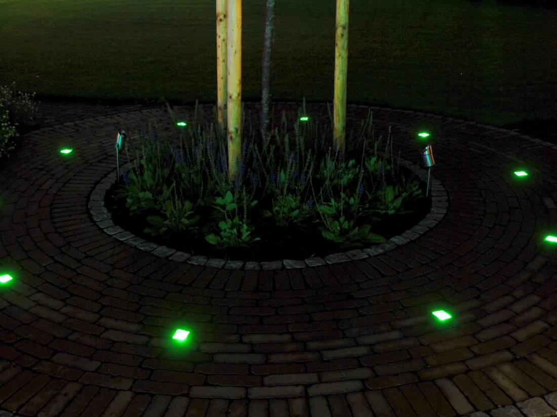 leuchtende Pflastersteine Garten