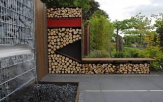 Holzlager aus Cortenstahl
