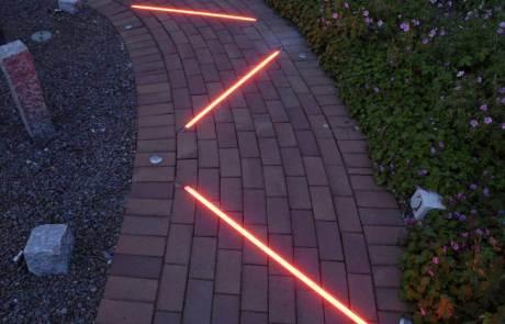 Lichtlinien Pflaster