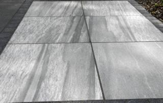 Terrasse aus Keramikplatten