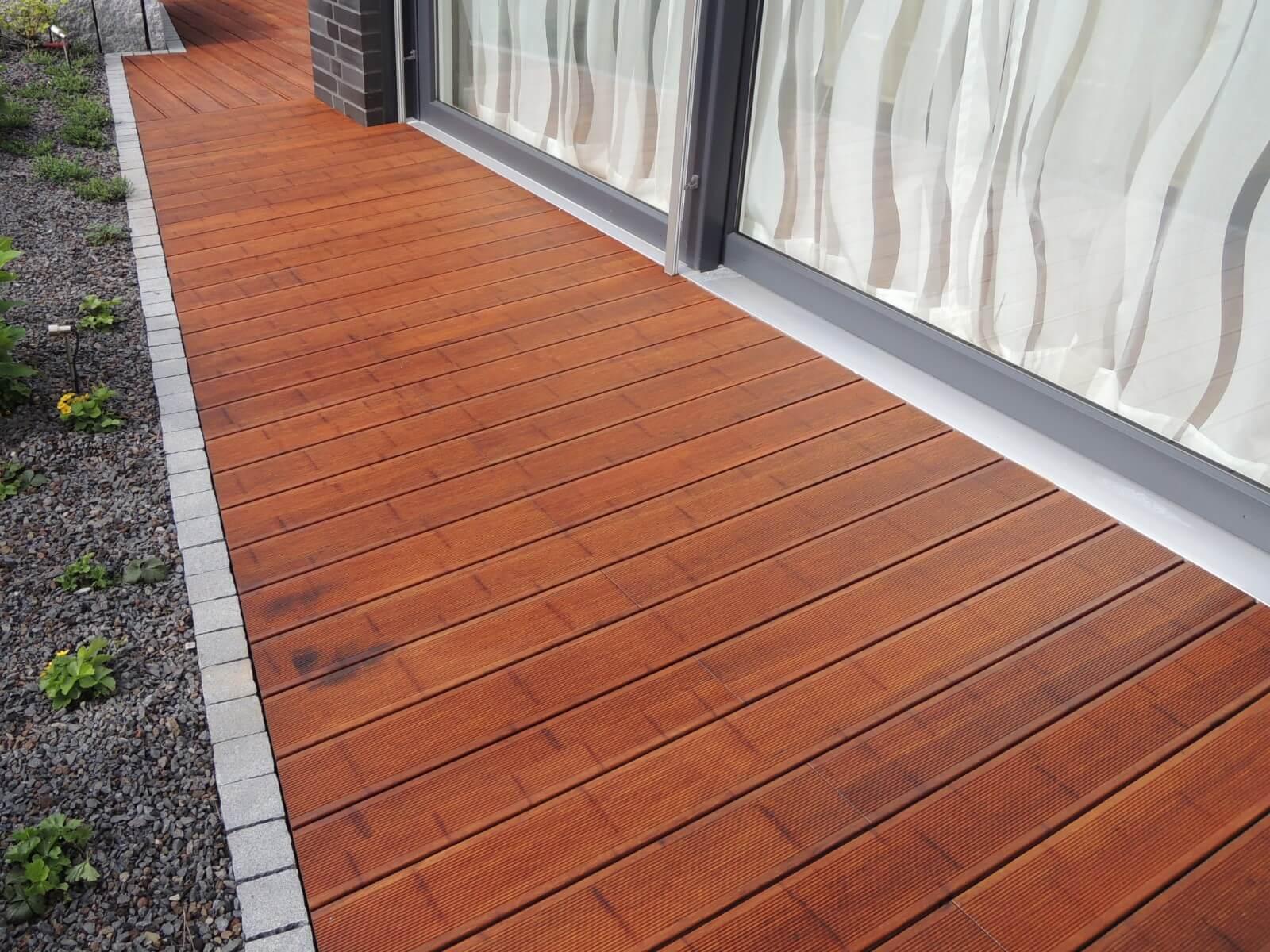 Terrasse aus Bambus | Galabau Mähler | Terrassendielen Baumbus